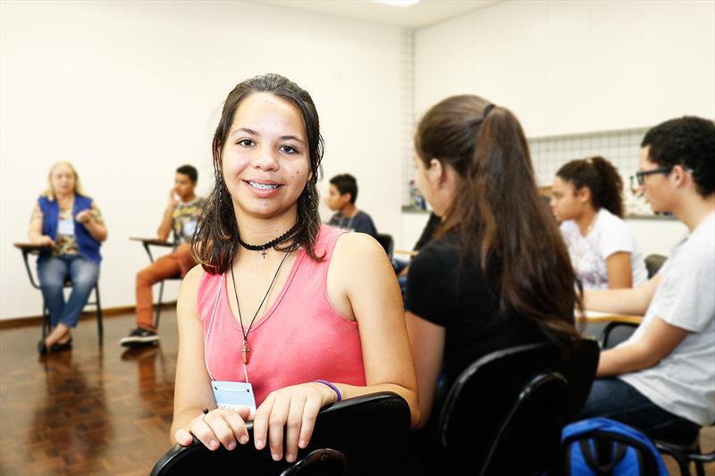Primeira edição do programa Formação Para o Primeiro Emprego.   - Na imagem, Natália do Nascimento Brandão de Oliveira.   Curitiba, 11/02/2019.  Foto: Ricardo Marajó/FAS