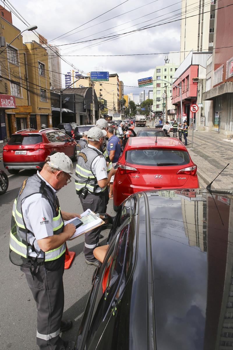 Operação de Trânsito da Setran, na Rua Nilo Cairo esquina com Conselheiro Laurindo. Curitiba, 12/02/2019 Foto:Cesar Brustolin/SMCS