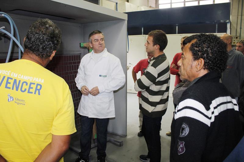 Em Curitiba, as pessoas em situação de rua têm a oportunidade de participar de cursos e oficinas gratuitas de qualificação profissional.  Foto: Ricardo Marajó/FAS.(arquivo)