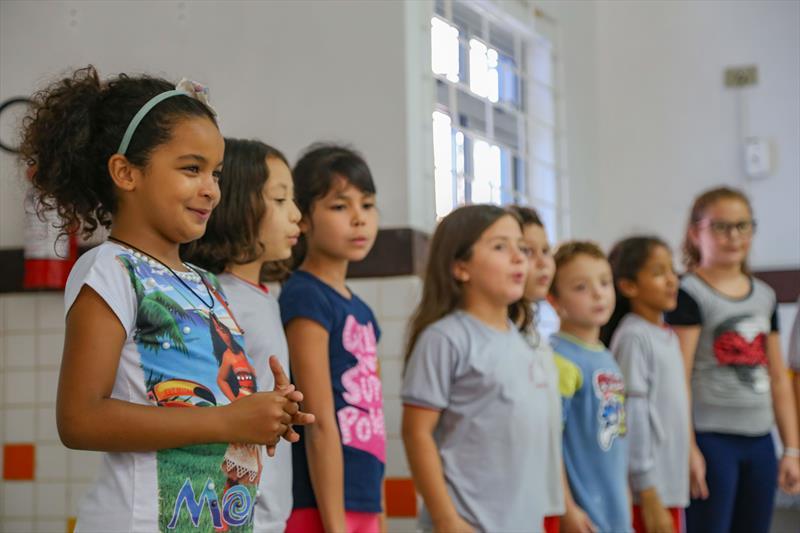 Apresentação do projeto de Educação em Direitos Humanos para a representante da Secretaria Nacional da Promoção da Igualdade Racial na Escola Municipal Dona Pompília no Tatuquara - Curitiba, 18/03/2019 - Foto: Daniel Castellano / SMCS