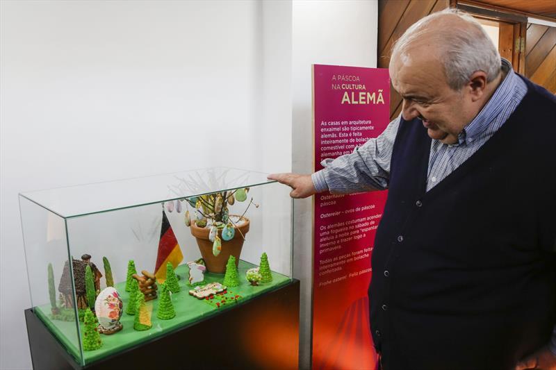 Prefeito Rafael Greca, participa das atividades de Páscoa, com crianças de escolas municipais no Bosque Alemão. Curitiba, 12/04/2019. Foto: Pedro Ribas/SMCS