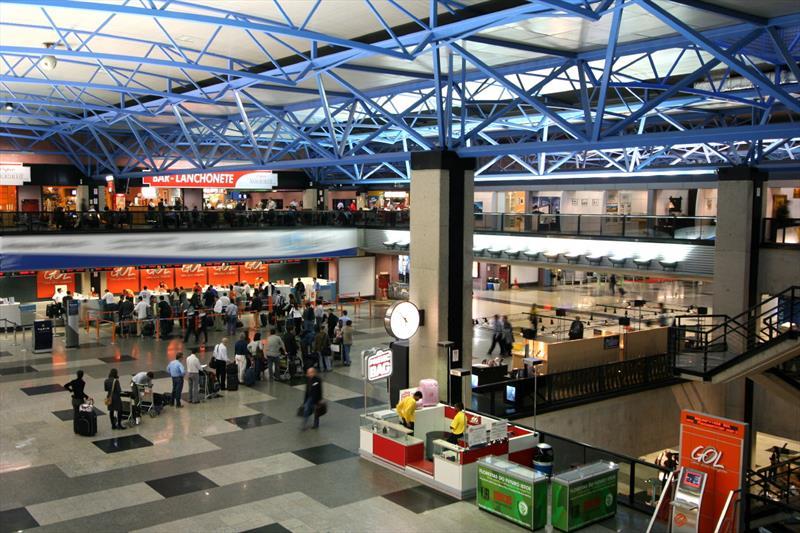 O Aeroporto Internacional Afonso Pena, que atende a capital paranaense, foi considerado o 4º melhor do mundo, segundo dados da pesquisa realizada pela AirHelp Score, especialista mundial em direitos dos passageiros aéreos. Foto: Divulgação
