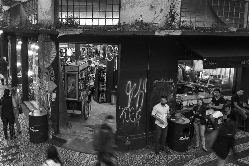 Café na rua Vicente Machado esquina com a Visconde do Rio Branco. Foto: Luiz Costa /SMCS