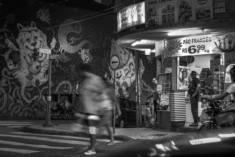 Movimento no comércio no Centro da cidade . Foto: Luiz Costa /SMCS