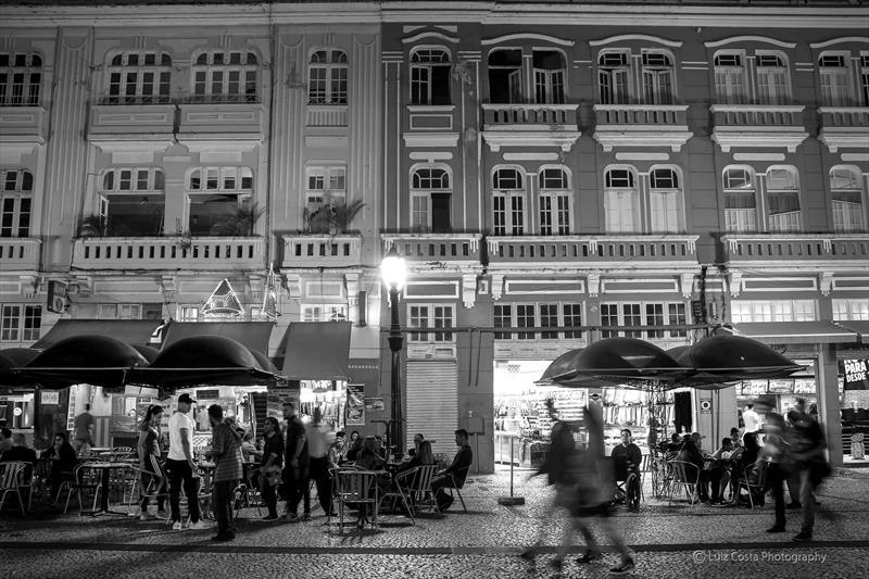 Fachada do comércio na Rua XV.  Foto: Luiz Costa /SMCS