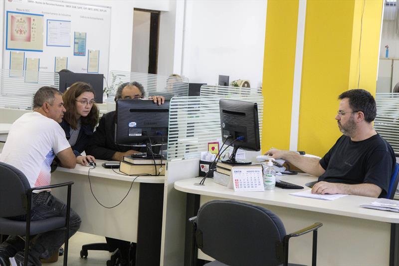 IPMC e RH dão orientações para os familiares de servidores falecidos. Foto: Valdecir Galor/SMCS
