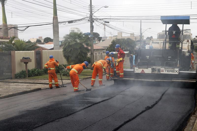 Na Rua Ernesto Biscardi, os trabalhos já começaram nesta terça-feira (14/5) e também irão alcançar as ruas Francisco Raitani e Irmãs Paulinas. Curitiba, 16/05/2019. Foto: Lucilia Guimarães/SMCS