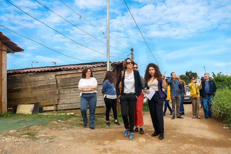 Técnicos da Agência Francesa de Desenvolvimento, realizaram uma visita técnica na Vila 29 de Outubro, no Caximba e em obras da Linha Verde Norte. Curitiba, 22/05/2019. Foto: Rafael Silva