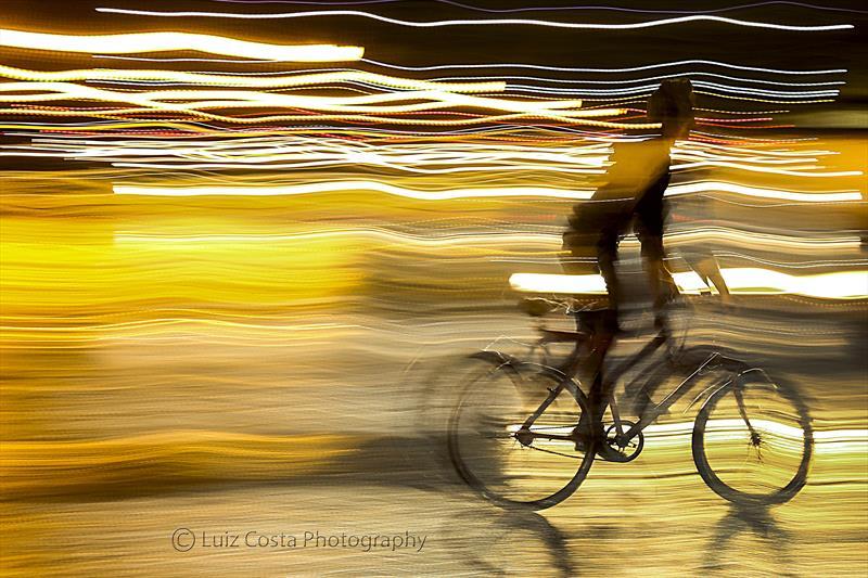 Ciclista urbano. Foto: Luiz Costa