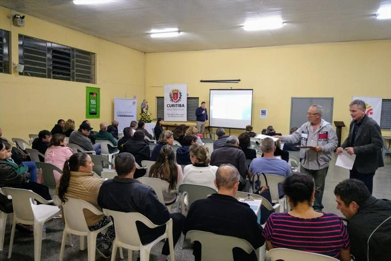 Reunião do programa Fala Curitiba com os moradores do bairro Campo Comprido. Foto: Divulgação