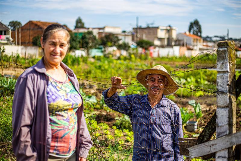 Agricultores urbanos na Horta comunitária Vitória Régia na CIC, a primeira do programa de hortas comunitárias de Curitiba, iniciada em 2001. - Curitiba, 11/06/2019 - Foto: Daniel Castellano / SMCS