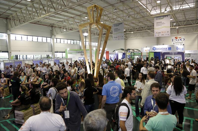 Curitiba é 3° destino de negócios mais procurado por estrangeiros. Foto: Luiz Costa/SMCS