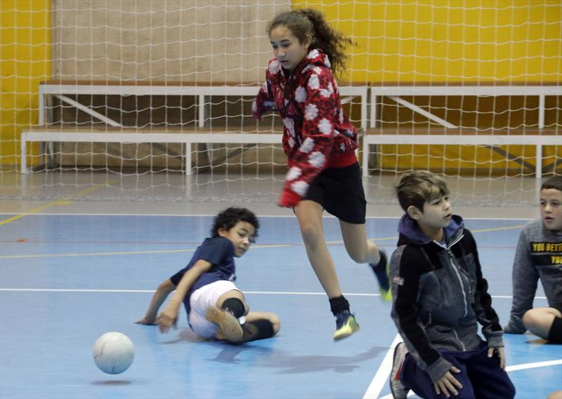 Futsal no Parque dos Peladeiros.   - Na imagem, Vitória Machado. Curitiba, 11/06/2019.  Foto: Lucilia Guimarães/SMCS