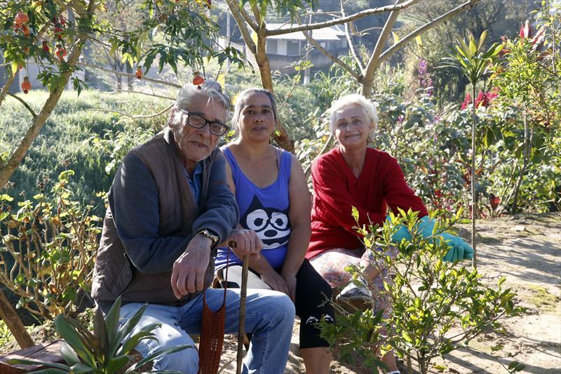 Boas Práticas Santa Cândida.   - Na imagem, Rosélia Koppen, Adelir e Gilmar de Oliveira.  Curitiba, 17/06/2019. Foto: Lucilia Guimarães/SMCS