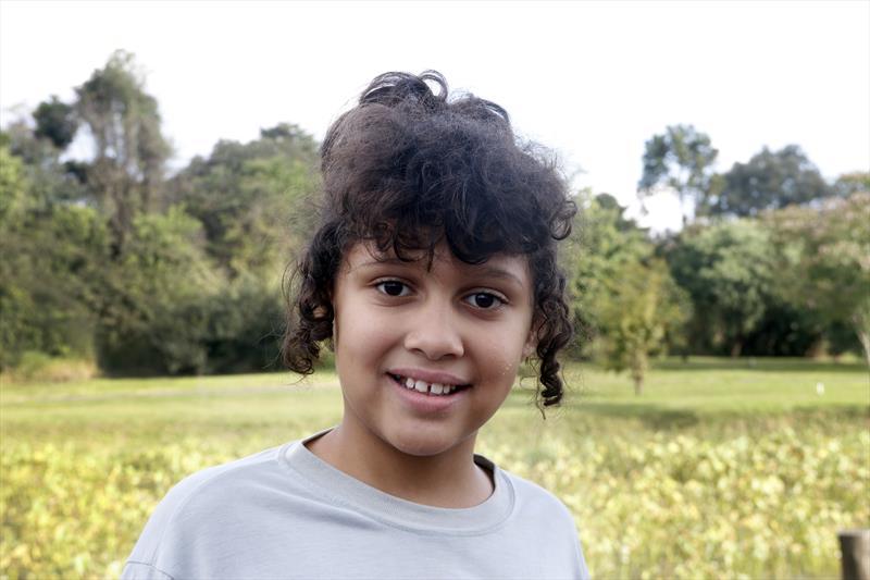 Fundação de Curitiba é tema de aula no Parque Histórico Vilinha.  - Na imagem, Mariana Dal Negro, 9 anos. Foto: Lucilia Guimarães/SMCS