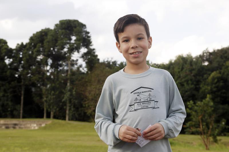 Fundação de Curitiba é tema de aula no Parque Histórico Vilinha.  - Na imagem, Juan Carlos Mormul, 8 anos. Foto: Lucilia Guimarães/SMCS