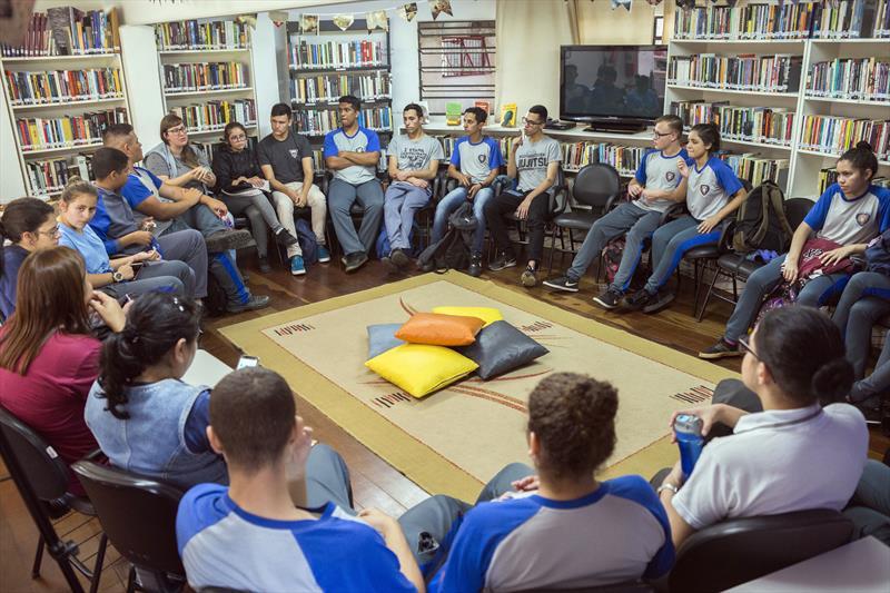 Ação do Clube de Leituras do Vestibular da FCC. Curitiba, 19/06/2019. Foto: Valdecir Galor/SMCS