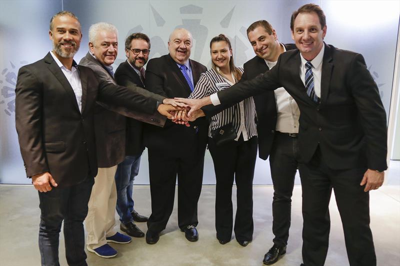 Prefeito Rafael Greca, anuncia parceria com as 3 primeiras empresas homologadas para a venda de crédito do sistema de transporte coletivo. Curitiba, 01/07/2019. Foto: Pedro Ribas/SMCS