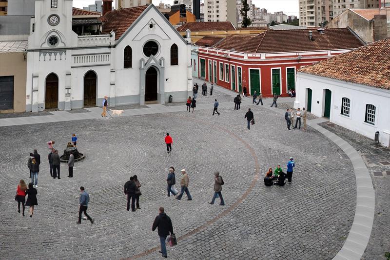Prefeitura começa obras de transformação na Voluntários da Pátria, São Francisco e Largo da Ordem.