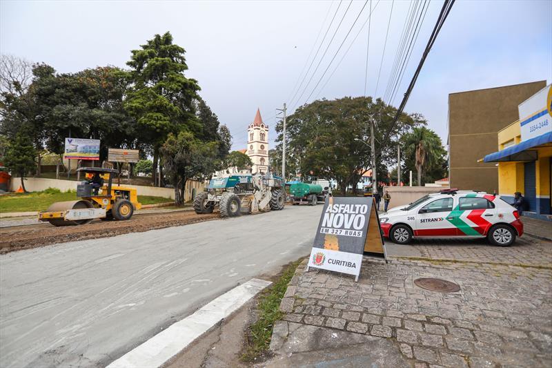 Obras de revitalização asfáltica nas ruas Padre José Joaquim Goral e Vitório João Brunor, no bairro Abranches - Curitiba, 09/07/2019 - Foto: Daniel Castellano / SMCS
