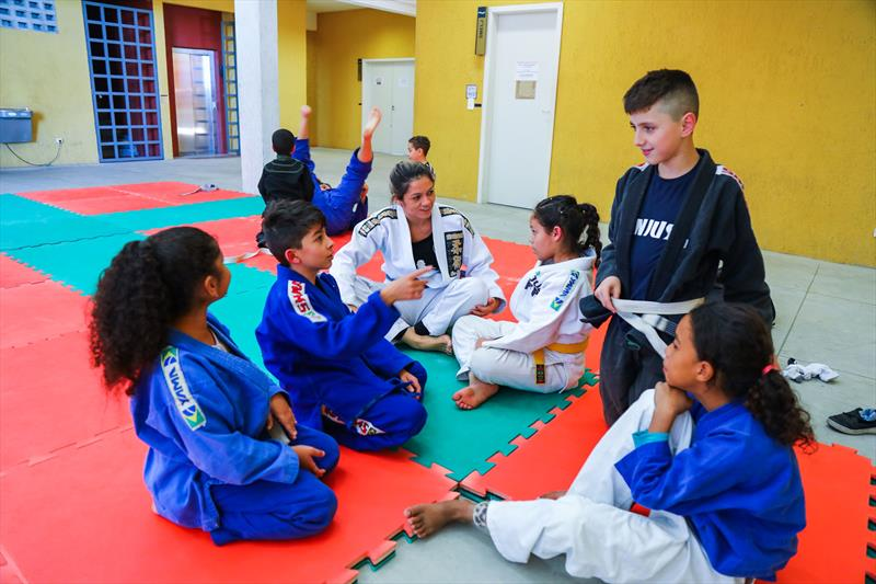 Aulas de Jiu Jitsu gratuitas para crianças na Rua da Cidadania do Cajuru, as atividades fazem parte do Festival de Férias - Curitiba, 11/07/2019 - Foto: Daniel Castellano / SMCS
