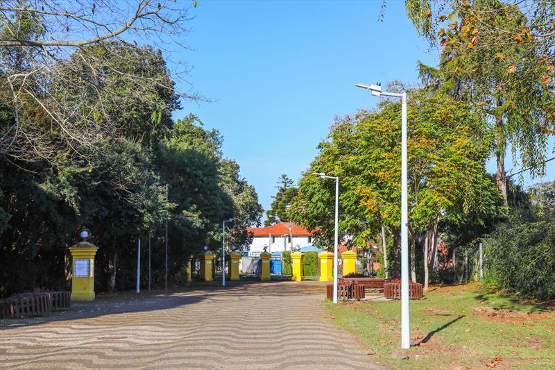 Bosque Portugal no Jardim Social recebe nova iluminação - Curitiba, 12/07/2019 - Foto: Daniel Castellano / SMCS