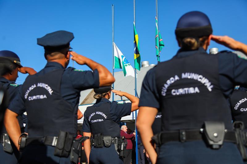 Novos guardas municipais estão reforçando o patrulhamento em praças, parques e ruas da região central. Curitiba, 09/07/2019 - Foto: Daniel Castellano / SMCS