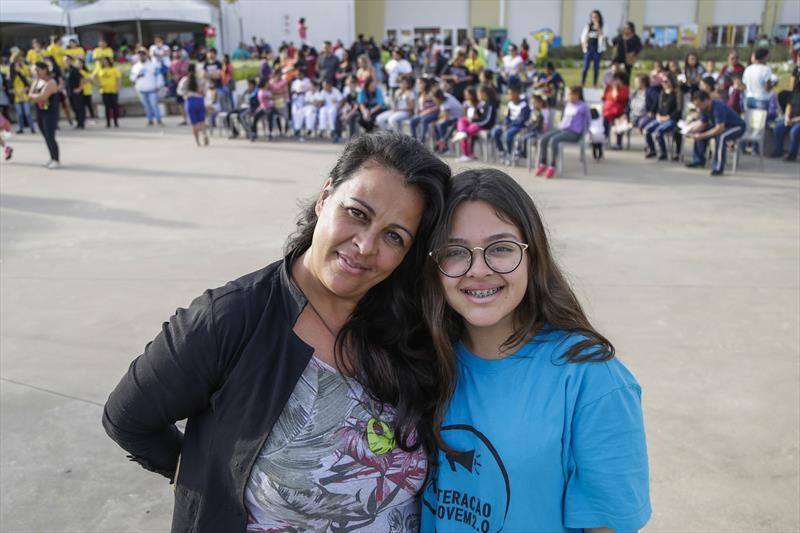 Marcia Pereira e a filha Raphaela, terceira edição do Projeto de Interação Jovem 2.0, promovido pela Associação de Proteção à Infância Vovô Vitorino, na Regional Tatuquara. Curitiba, 13/07/2019. Foto: Pedro Ribas/SMCS