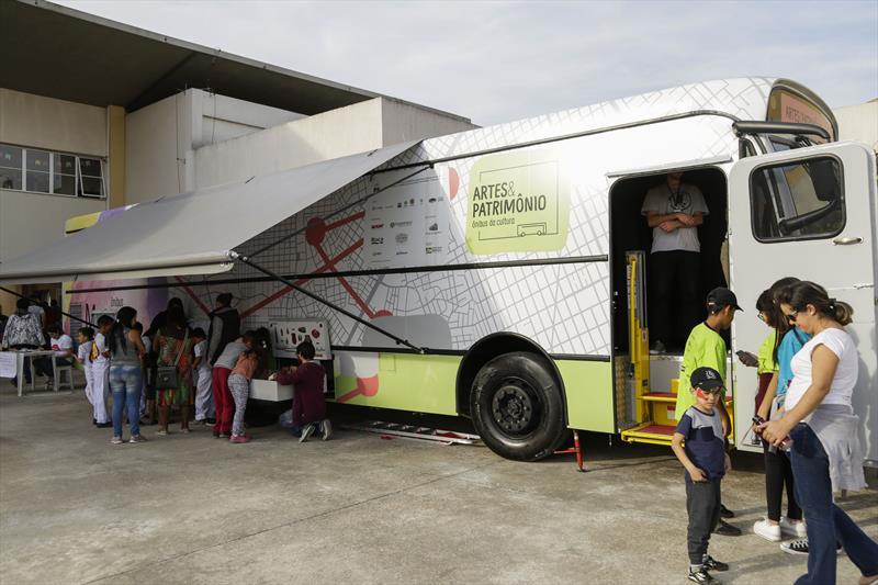 Ônibus Museu, na terceira edição do Projeto de Interação Jovem 2.0, promovido pela Associação de Proteção à Infância Vovô Vitorino, na Regional Tatuquara. Curitiba, 13/07/2019. Foto: Pedro Ribas/SMCS