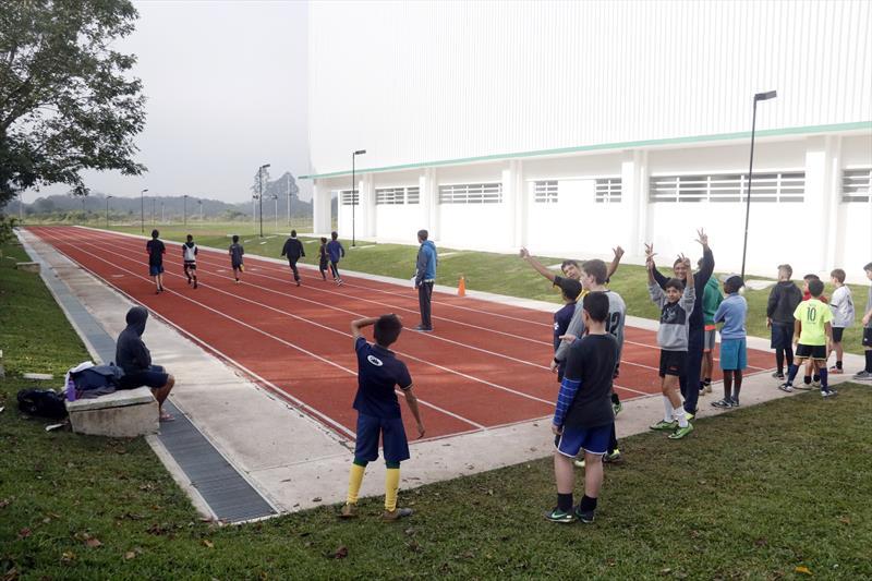 Grupo de corrida encontro motivação na pista do Parque dos Peladeiros. Curitiba, 11/06/2019. Foto: Lucilia Guimarães/SMCS