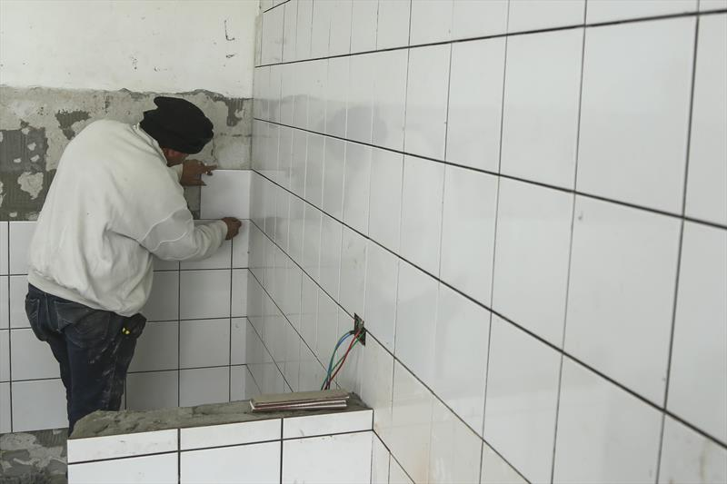 Obras de reforma na cozinha do CMEI Itacolomi Sabará na CIC. Curitiba, 18/07/2019. Foto: Luiz Costa /SMCS.
