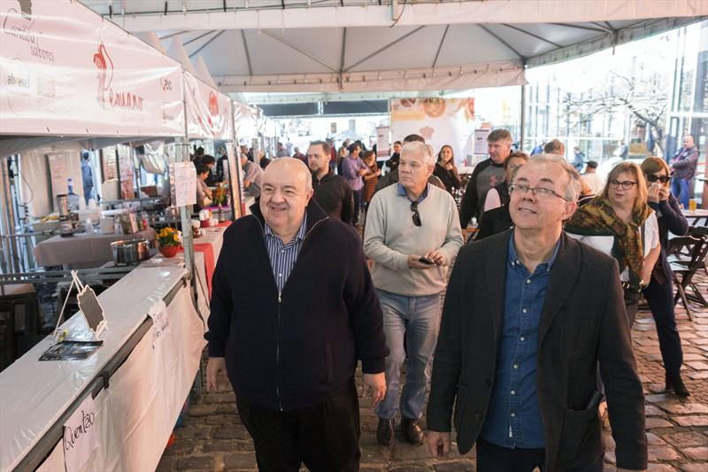 Prefeito Rafael Greca visita evento gastronômico no Centro Histórico. Curitiba, 20/07/2019 Foto: Valdecir Galor/SMCS