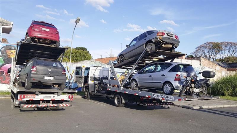 O leilão é a última etapa do serviço de remoção de veículos que foram apreendidos ou removidos em fiscalizações de trânsito pela cidade. Foto: Divulgação