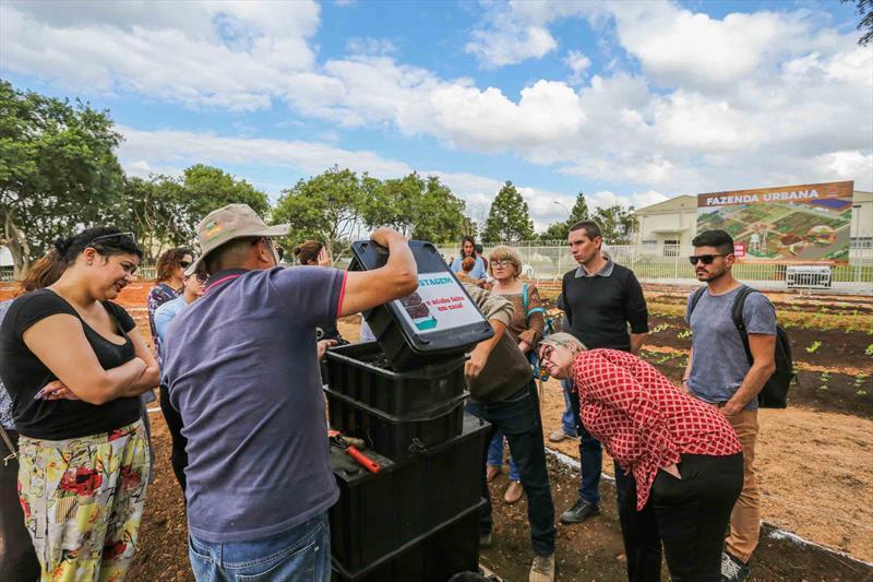Dia de Campo no Espaço da Futura Fazenda Urbana localizada na Av. Maurício Fruet ao lado do Mercado Regional do Cajuru - Curitiba, 29/07/2019 - Foto: Daniel Castellano / SMCS