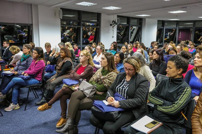 Evento de lançamento e ampliação da oferta de vagas em língua estrangeira nas escolas no auditório do edifício Delta - Curitiba, 29/07/2019 - Foto: Daniel Castellano / SMCS