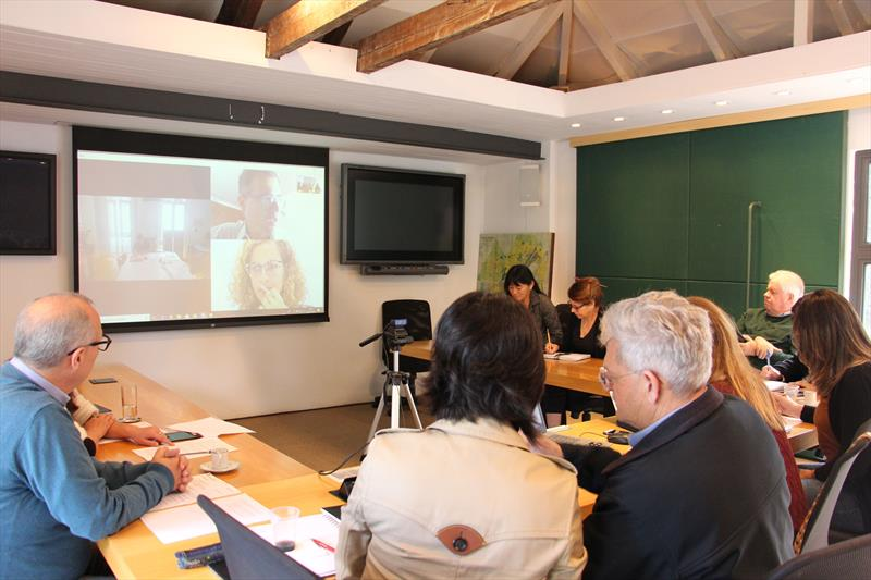 Consultor da AFD avalia medidas socioambientais do Projeto Caximba. Foto: Divulgação/IPPUC