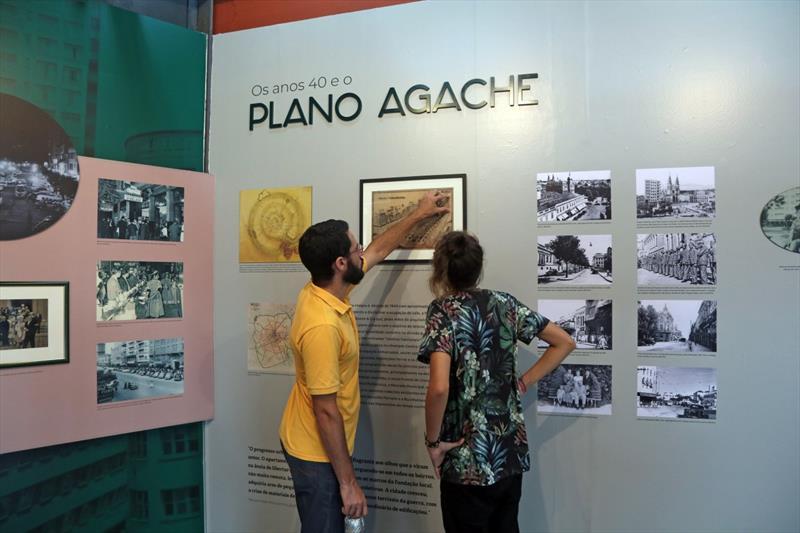"""Exposição """"Curitiba: Tempo e Memória"""""""