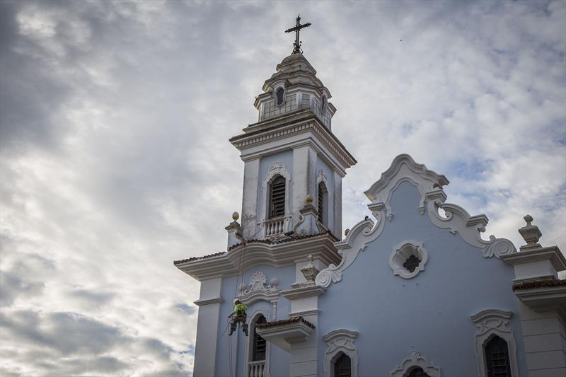 Obras de restauro da fachada da Igreja do Rosário, no Centro Histórico, parte do programa Rosto da Cidade. Curitiba, 06/08/2019. Foto: Pedro Ribas/SMCS