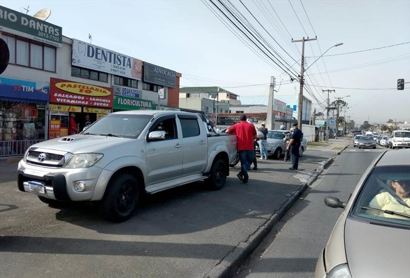 Operação da Secretaria Municipal de Defesa Social e Trânsito autuou 39 veículos por estarem estacionados de forma irregular em calçadas e passeios, atrapalhando a passagem de pedestres. Foto: Divulgação/SETRAN