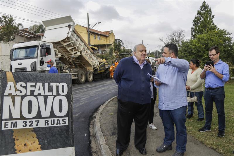 Prefeito Rafael Greca, vistoria as obras de pavimentação da rua Leandro Dacheux do Nascimento Júnior, na CIC. Curitiba, 13/08/2019. Foto: Pedro Ribas/SMCS