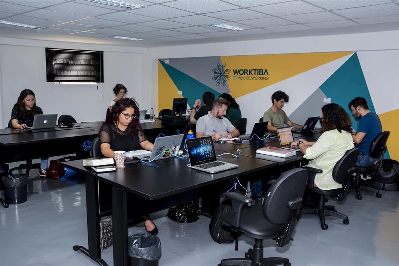 Startups do Vale do Pinhão estarão na 28ª Feira de Imóveis do Paraná. Na imagem  Worktiba Cine Passeio. Foto:Levy Ferreira/SMCS