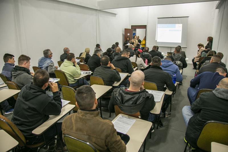 Reunião sobre previdência na Academia da Guarda, na CIC, para os novos guardas municipais - Curitiba, 20/08/2019 - Foto: Daniel Castellano / SMCS