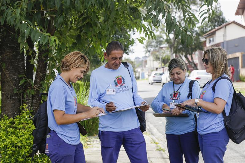Agentes de endemia da Secretaria Municipal da Saúde, fazem vistoria para verificar focos do mosquito da dengue.  Foto: Pedro Ribas/SMCS