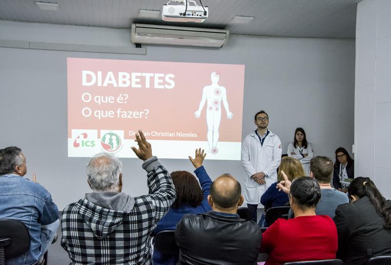 Palestra sobre doenças crônicas e de alimentação do programa de prevenção para beneficiários do ICS. Curitiba, 27/08/2019.  Foto: Levy Ferreira/SMCS