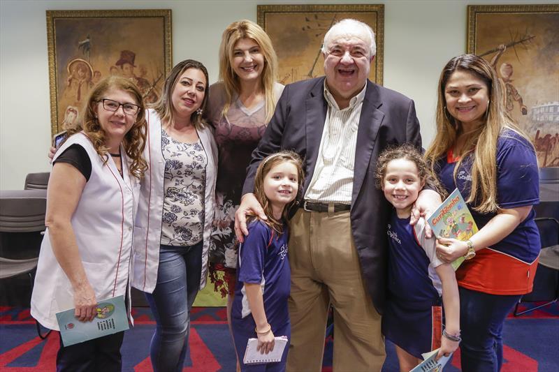 Prefeito Rafael Greca e a secretária da Educação, Maria Silvia Bacila, recebem alunos do 4º ano da Escola Esperança. Curitiba, 10/09/2019. Foto: Pedro Ribas/SMCS