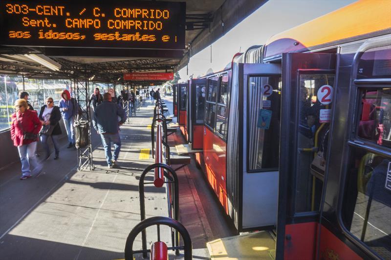 Com a nova lei, Urbs pode flexibilizar tarifa e tempo de uso dos bilhetes. Foto: Valdecir Galor/SMCS