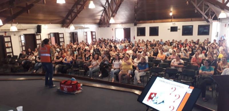 Defesa Civil ministra curso de primeiros socorros aos profissionais da educação. Foto: Divulgação