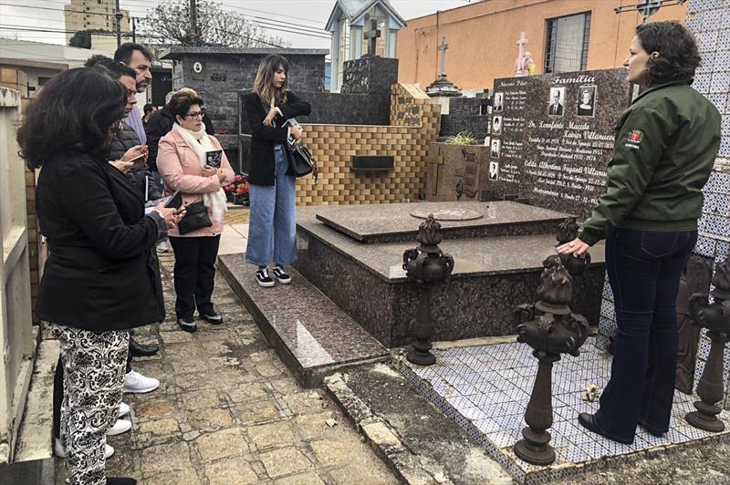 Vereadores participam de visita guiada ao Cemitério Municipal. Foto: Divulgação