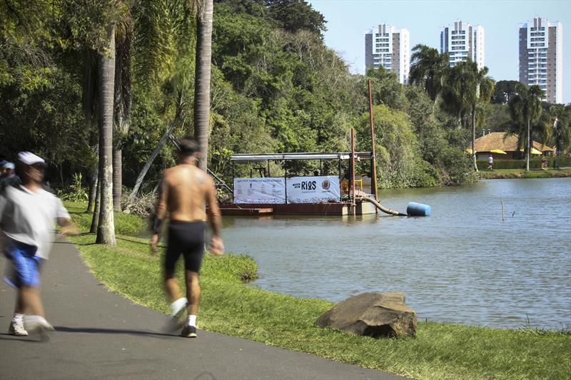 Dragagem no lago do Parque Bacacheri. Curitiba, 16/09/2019. Foto: Luiz Costa /SMCS.