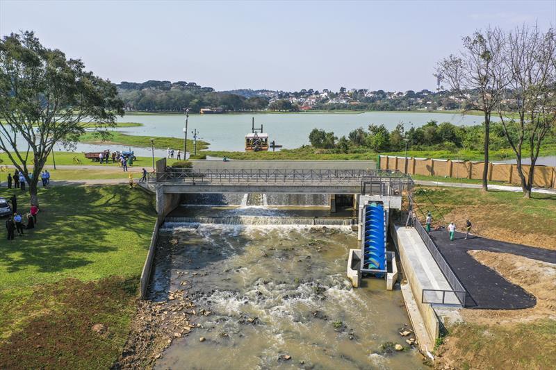 Obras de construção da Central Geradora Hidrelétrica (CGH) Nicolau Klüppel na barragem do lago do Parque Barigui. - Curitiba, 17/09/2019 - Foto: Daniel Castellano / SMCS